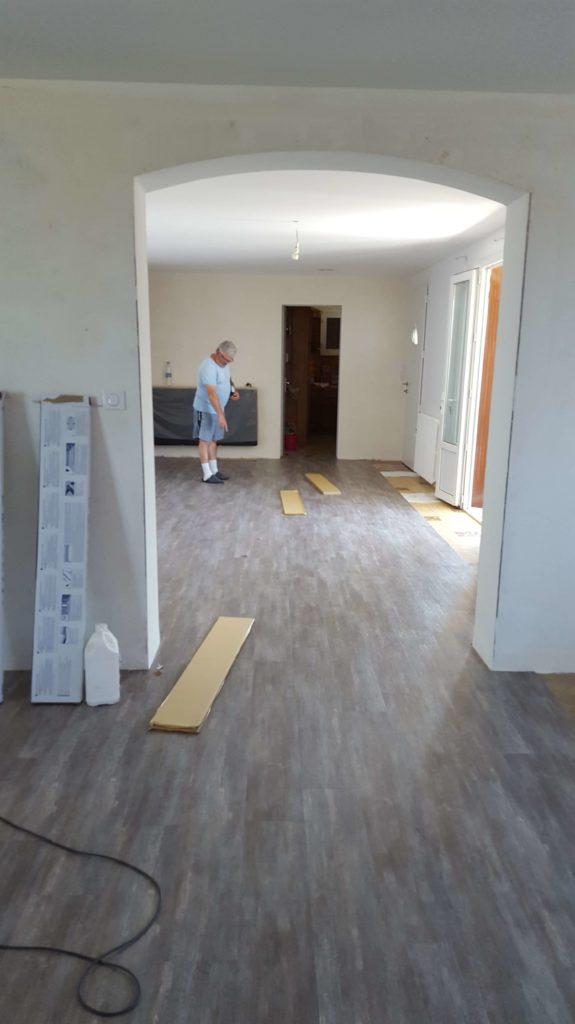 Revêtement de sol PVC - Pose de lame imitation parquet dur ancien carrelage